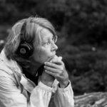 Kudde_Vrouw-luistert